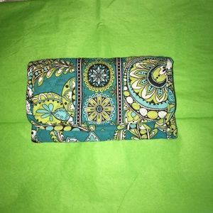 Handbags - Vera Bradley wallet/ FINAL MARKDOWN